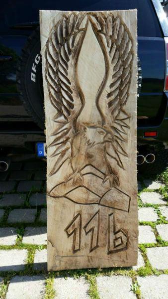 Adlerrelief - Schnitzen mit der Kettensäge - Allgäu-Carving by Martina Gast