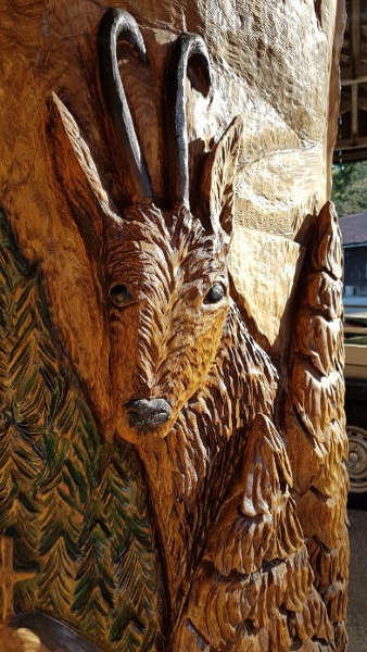 Steinbockrelief - Schnitzen mit der Kettensäge - Allgäu-Carving by Martina Gast