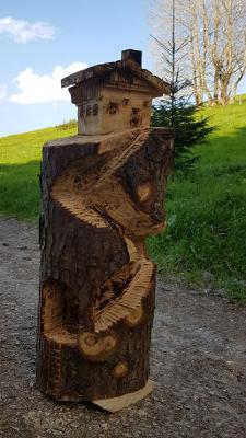 Berghütte - Schnitzen mit der Kettensäge - Allgäu-Carving by Martina Gast