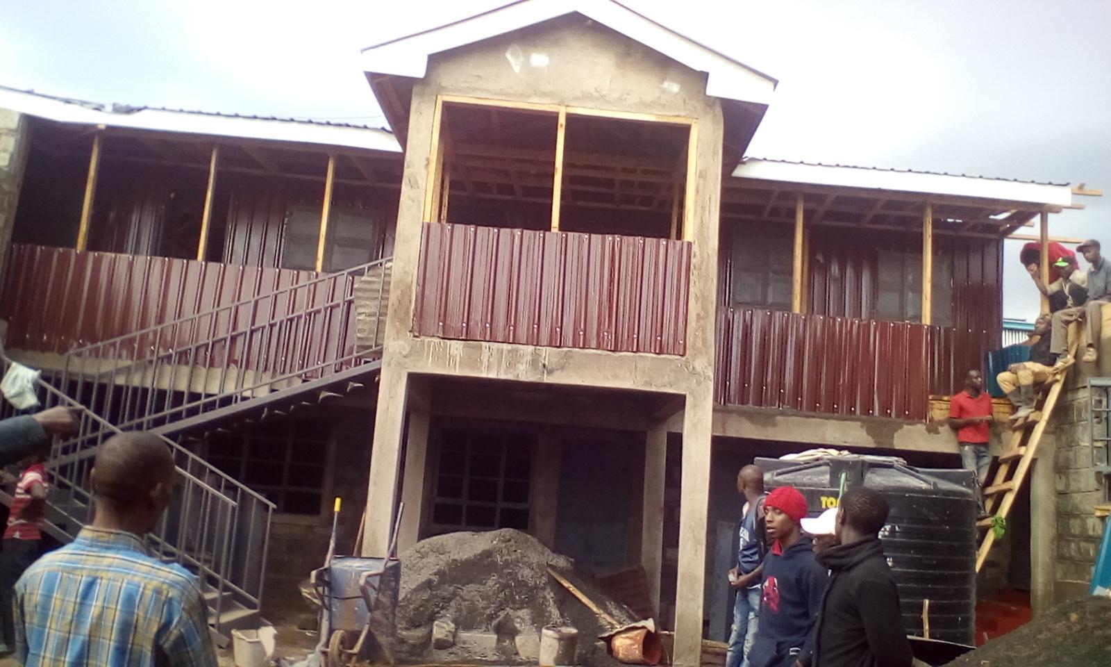 Die Schule im Bau
