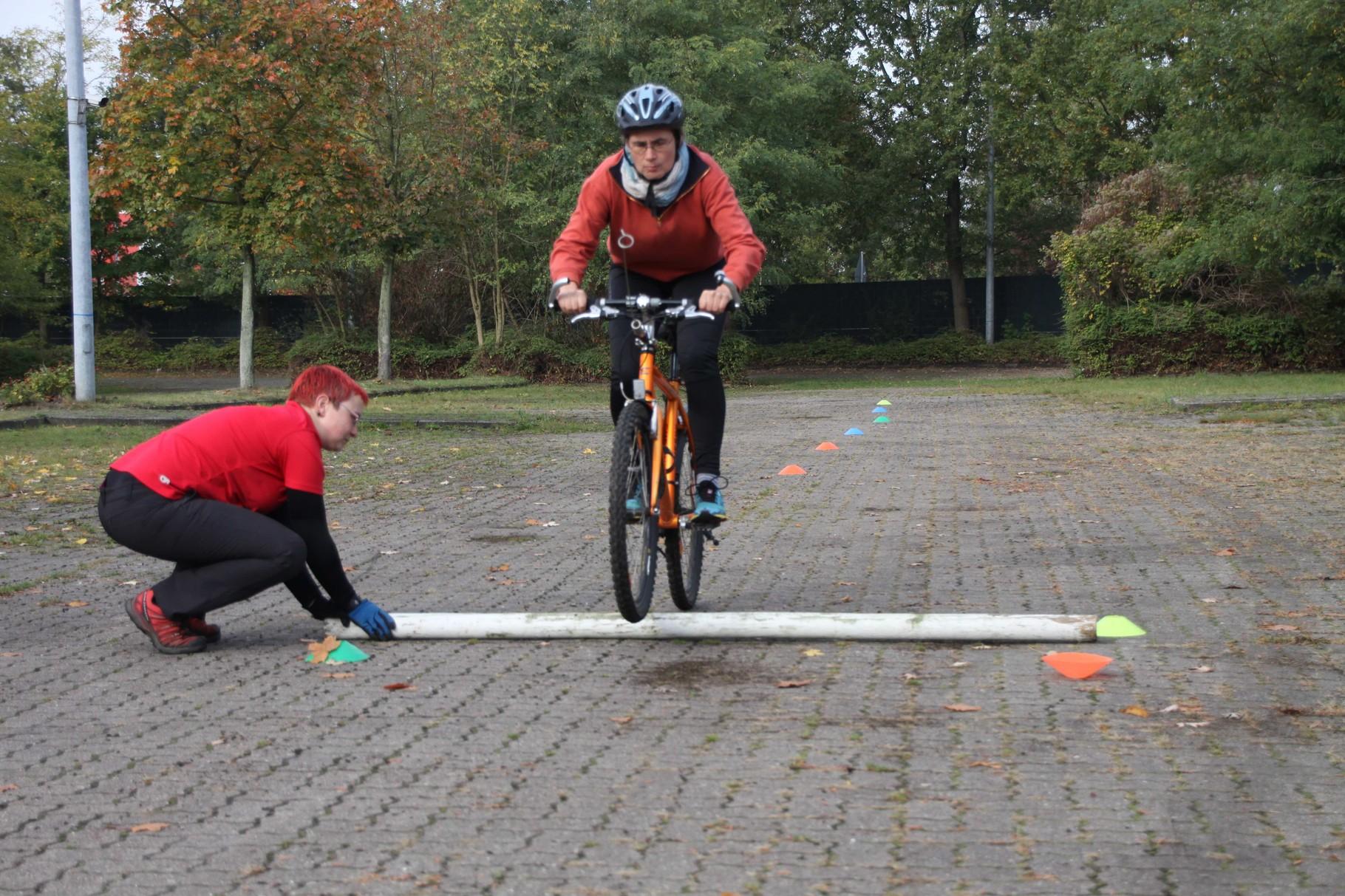 Rennvorbereitungen - über Hindernisse hinweg