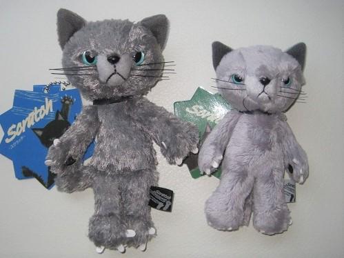スクラッチ猫中サイズと小サイズ
