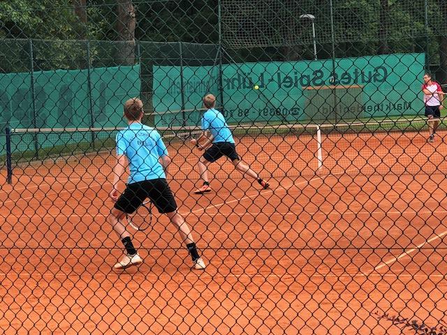 Malte (vorn) und Luis im 3er Doppel