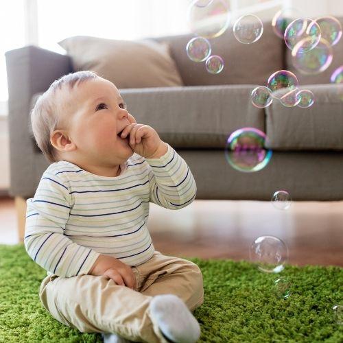 DIY-Spiele für Babys im Beikost-Alter