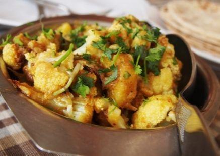 Gobi Aloo: Blumenkohl-Kartoffel-Curry