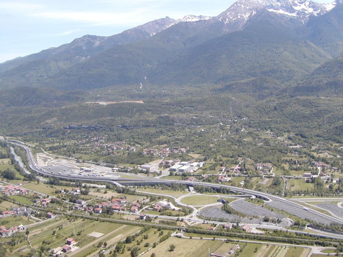 Foto panoramica cima torre: lato centro valle