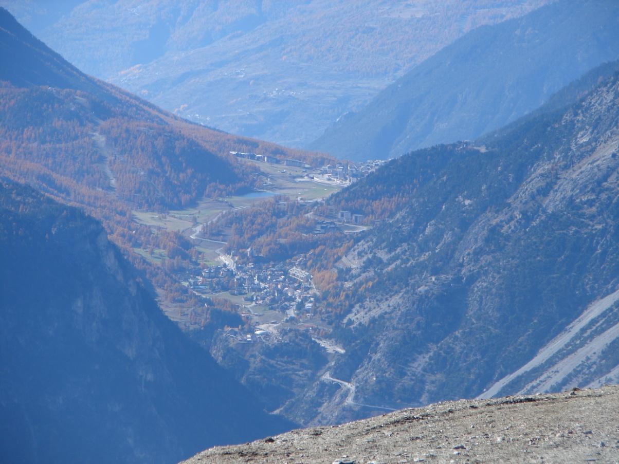 Foto della panoramica cima torre :   Lato paese di Monginevro / Claviere