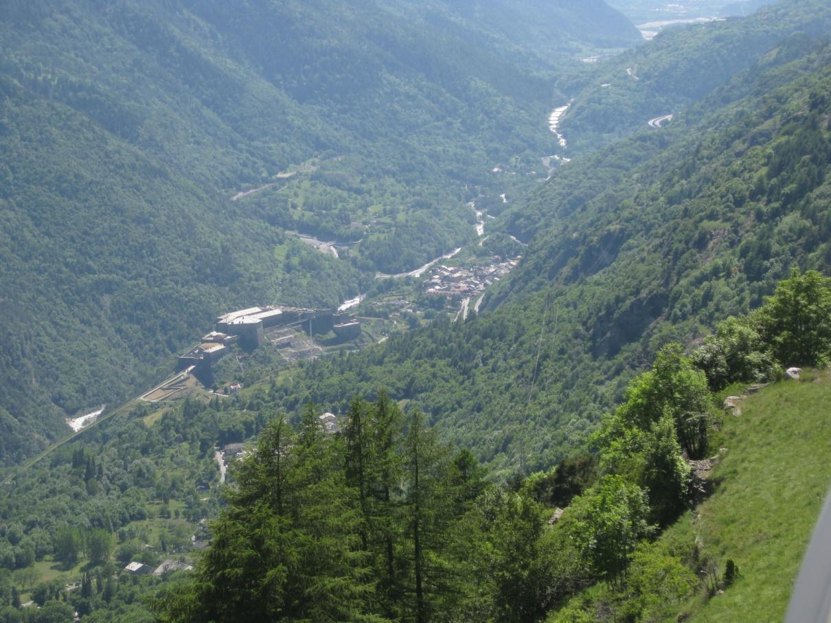 Foto della panoramica cima torre : Lato paese di Exilles