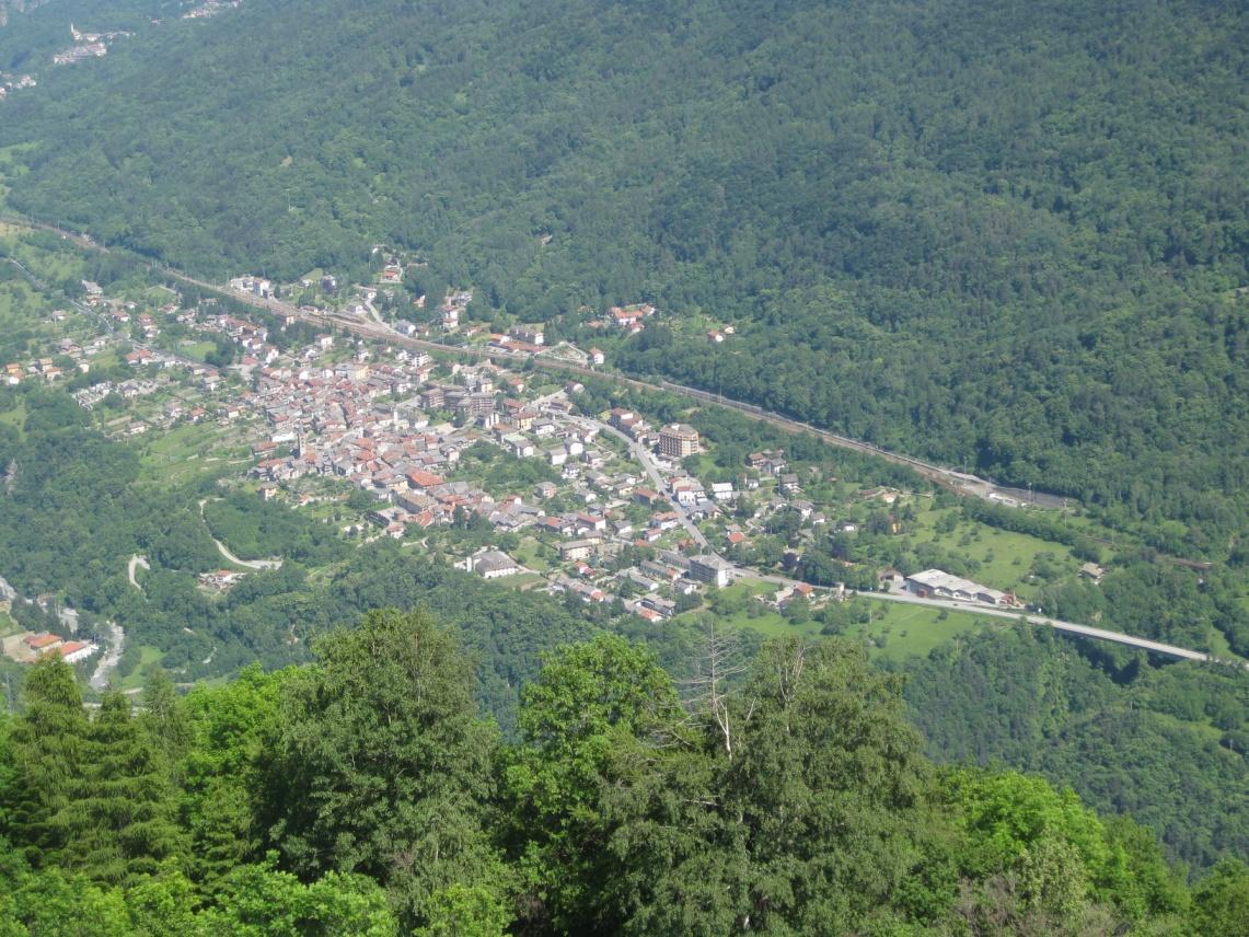 Foto della panoramica cima torre : Lato paese di Chiomonte