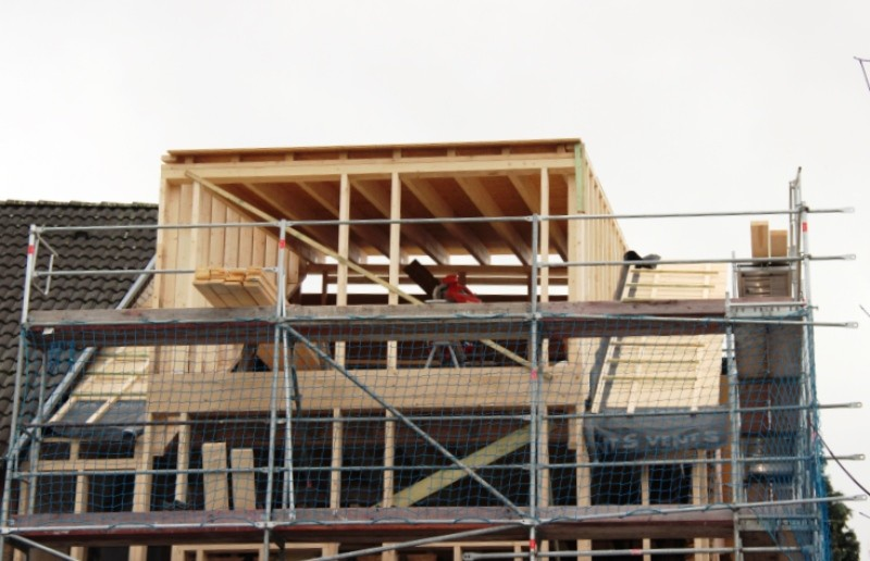 Die Dachgaube. Durch die großen Fenster können die Bewohner bis zum Kölner Dom sehen.