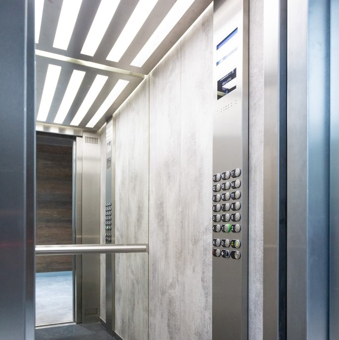 地震によるエレベーターの停止