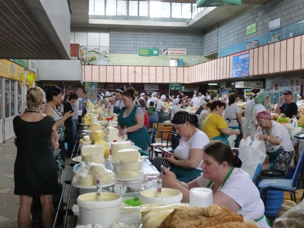 les belles crémières du marché d'Almaty