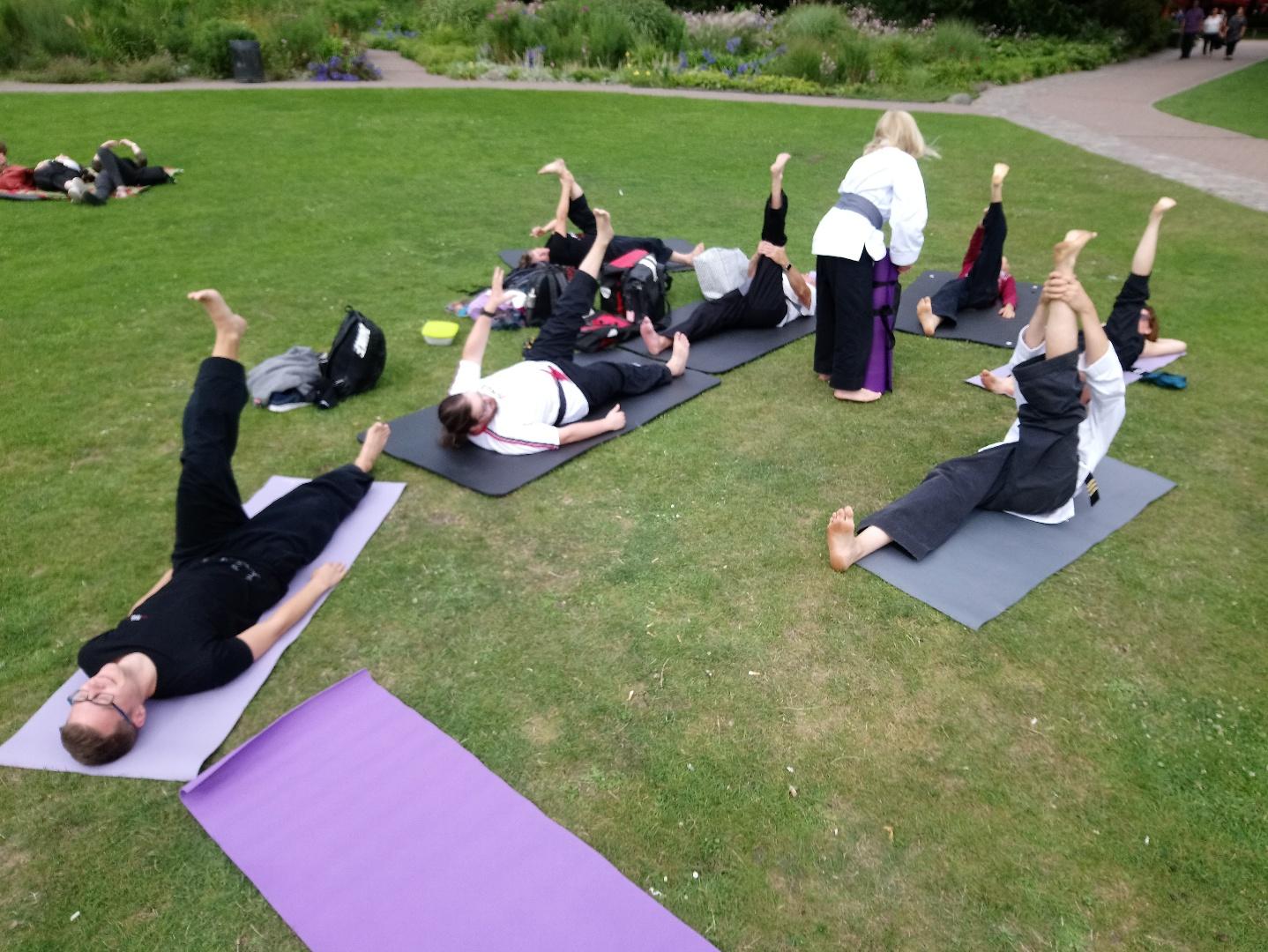 Stretchübungen, um Energiewege zu öffnen