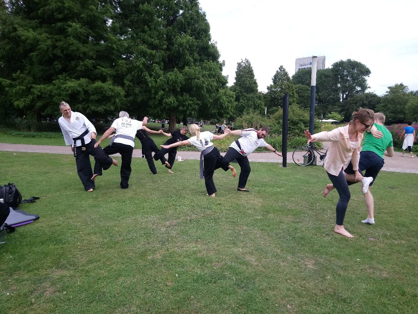 Akrobatik - mit Spaß zum Team werden
