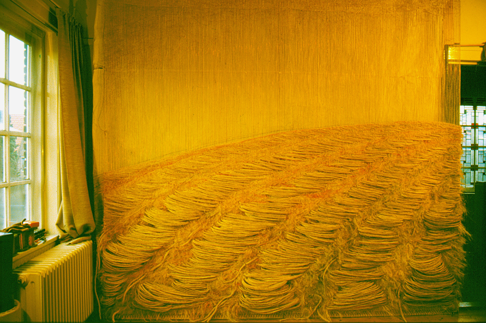 Erdenmantel   (185x300x10 cm), Teil 1: über der Erde ,        more info here
