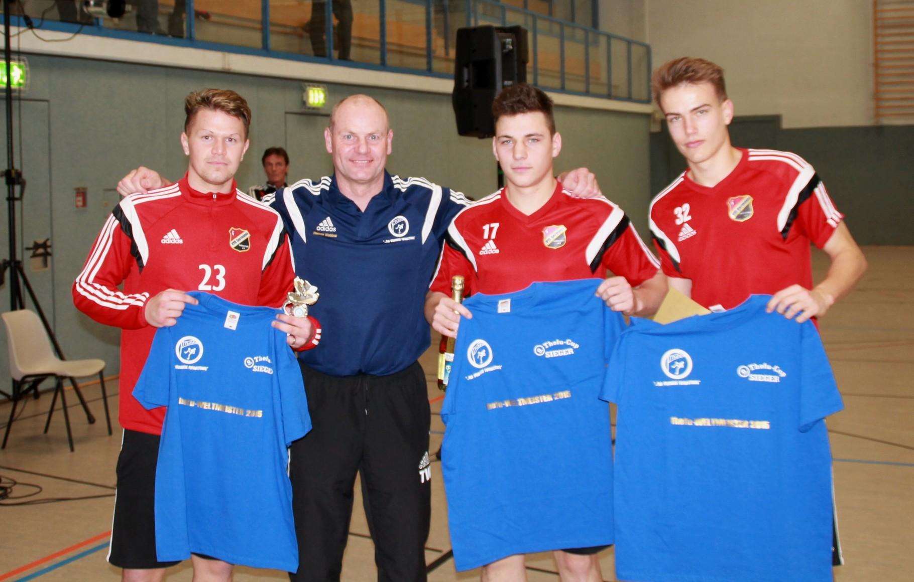 Siegerfoto: Jan - Christian Meier, Thomas Waldow (Trainer und Veranstalter), Danny Wersig, Fabian Guderitz (v.l.)