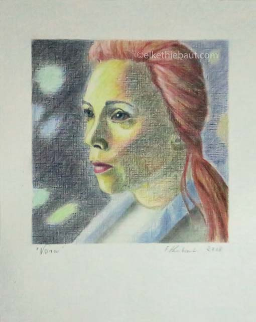 """Nora"",  dessin aux crayons de couleur, 15x15 cm sur papier Hahnemühle 210 grammes 20 x 30 cm, colored pencils drawing on Hahnemühle 110 lbs"