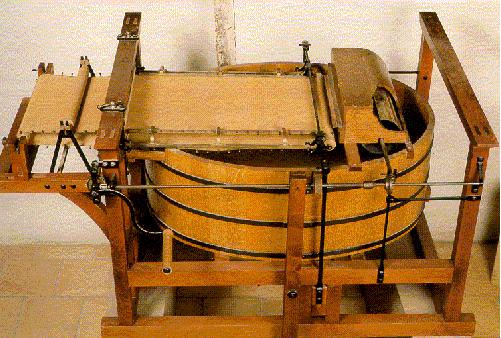 Erste Papiermaschine
