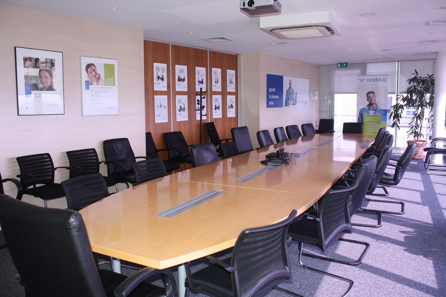 mobilier sur mesure pour vos réunions d'affaire