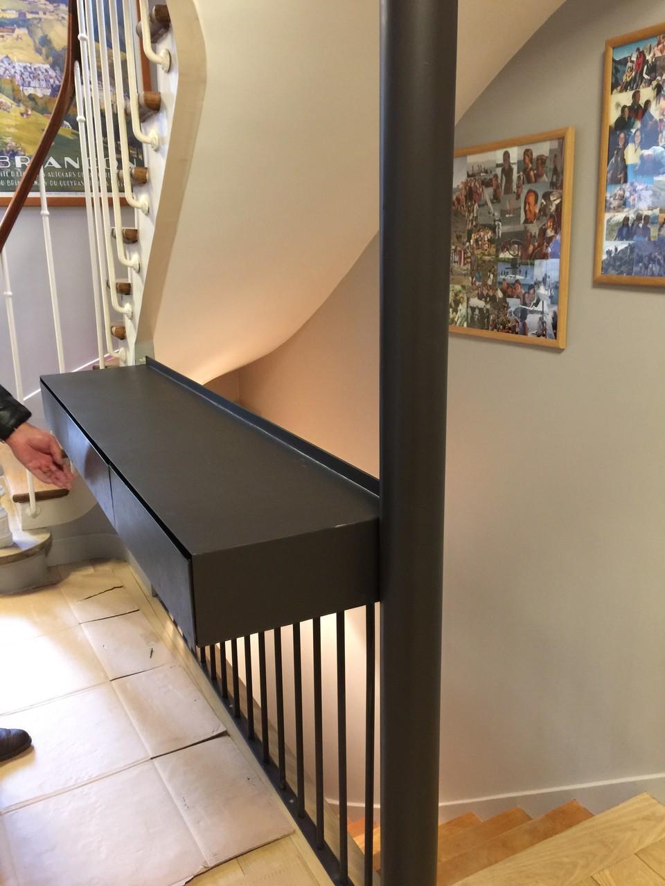 console d'entrée avec tiroirs en métal