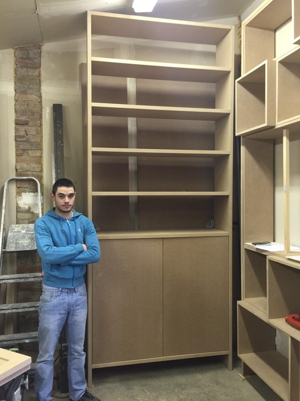 bibliothèque sur mesure dans un atelier au nord de Paris