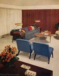le bois, les tissus et les tapis : le confort des années 50