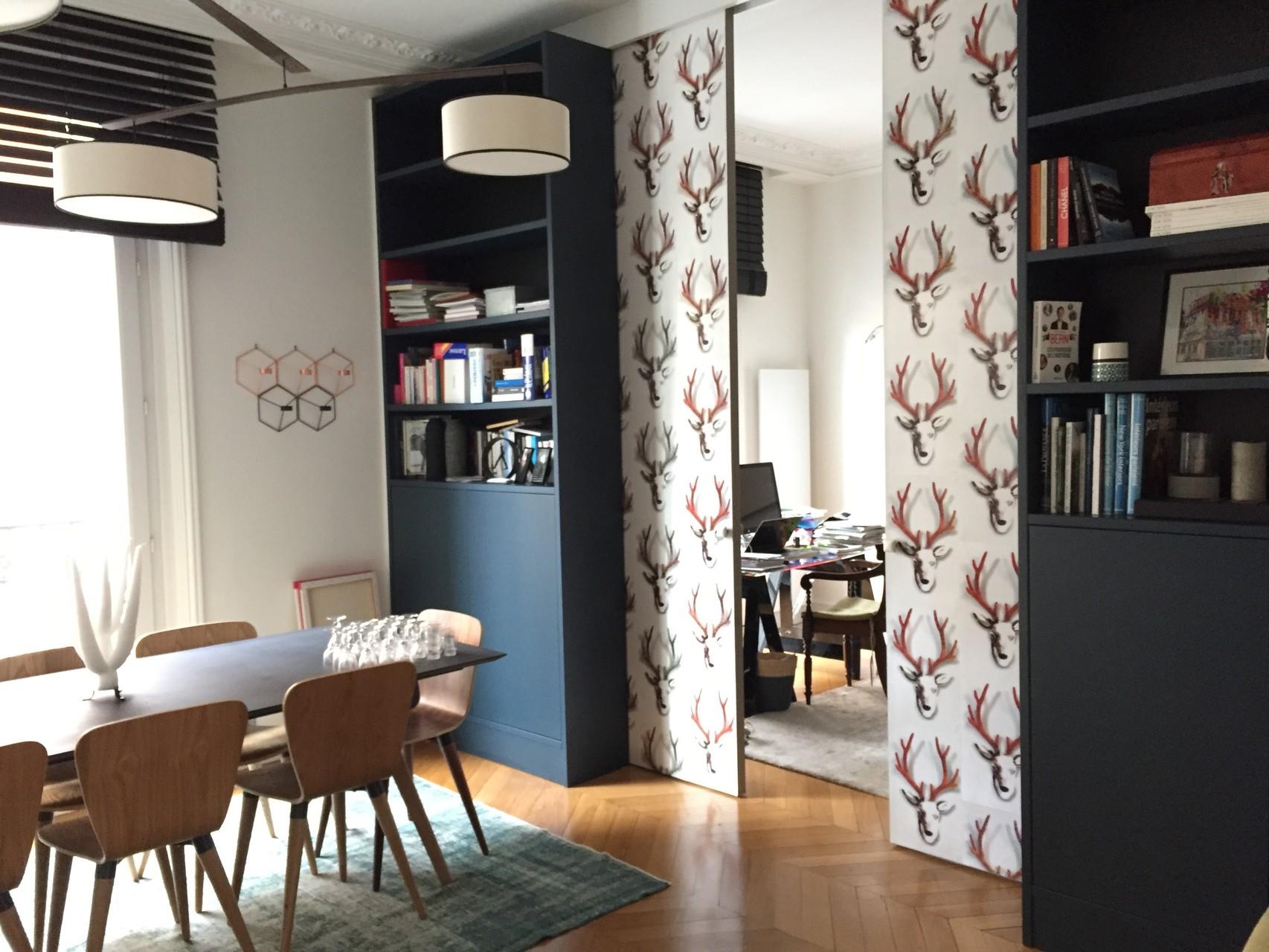 bibliothèque 3m haut et portes à galandage ambiance design