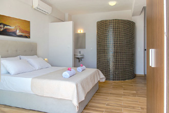 strandhaus pool villa laki kreta