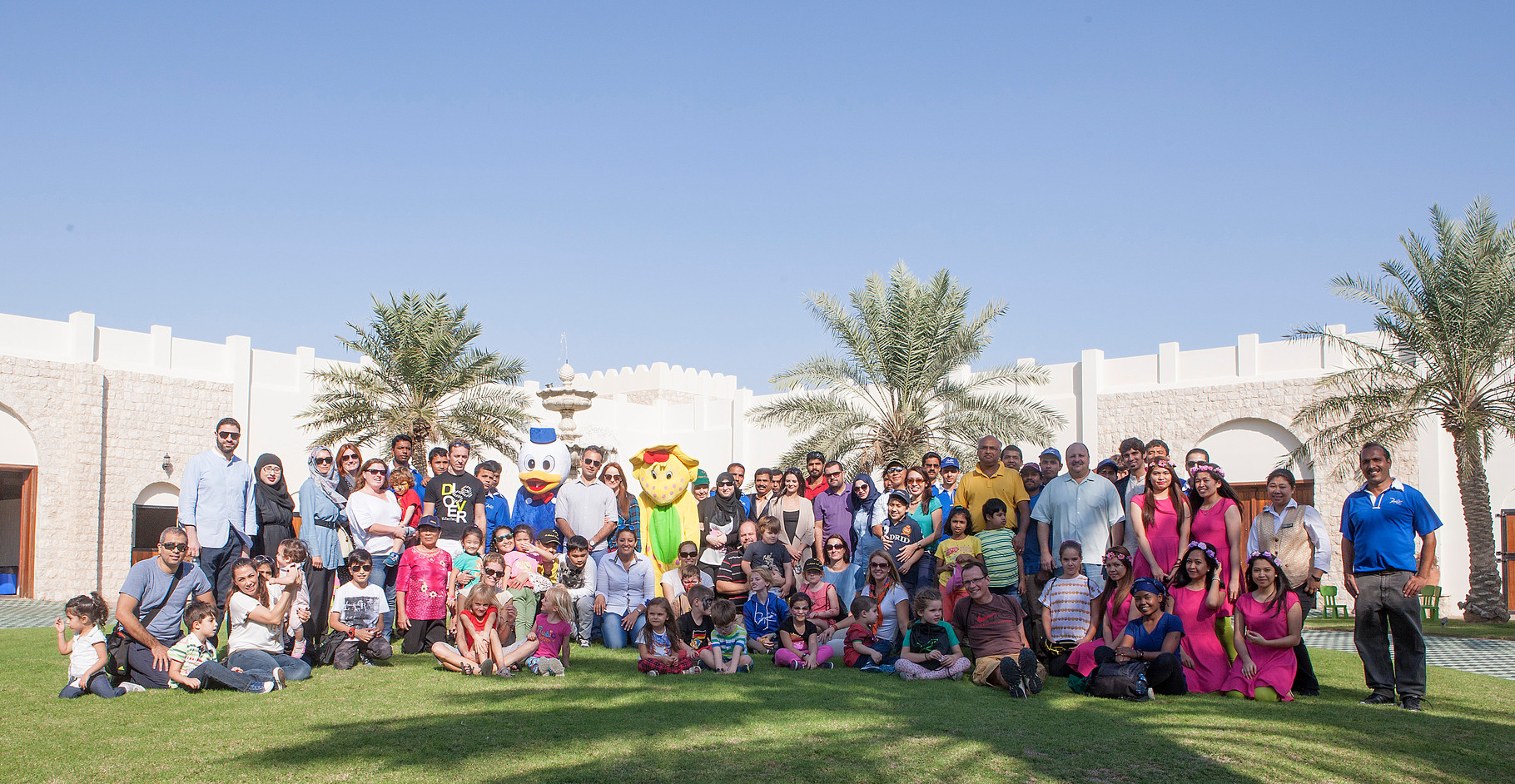 CDC community with Al Shahania Farm staff - 2015