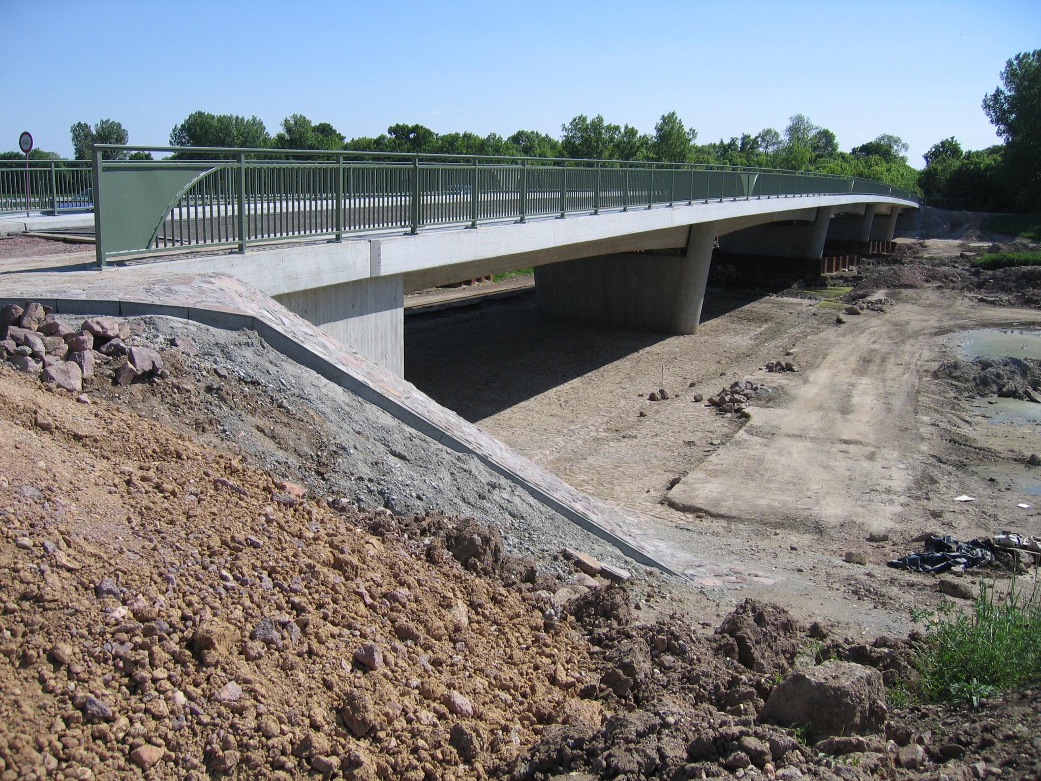 14.05.2008 - Die neue Brücke ist fast fertig