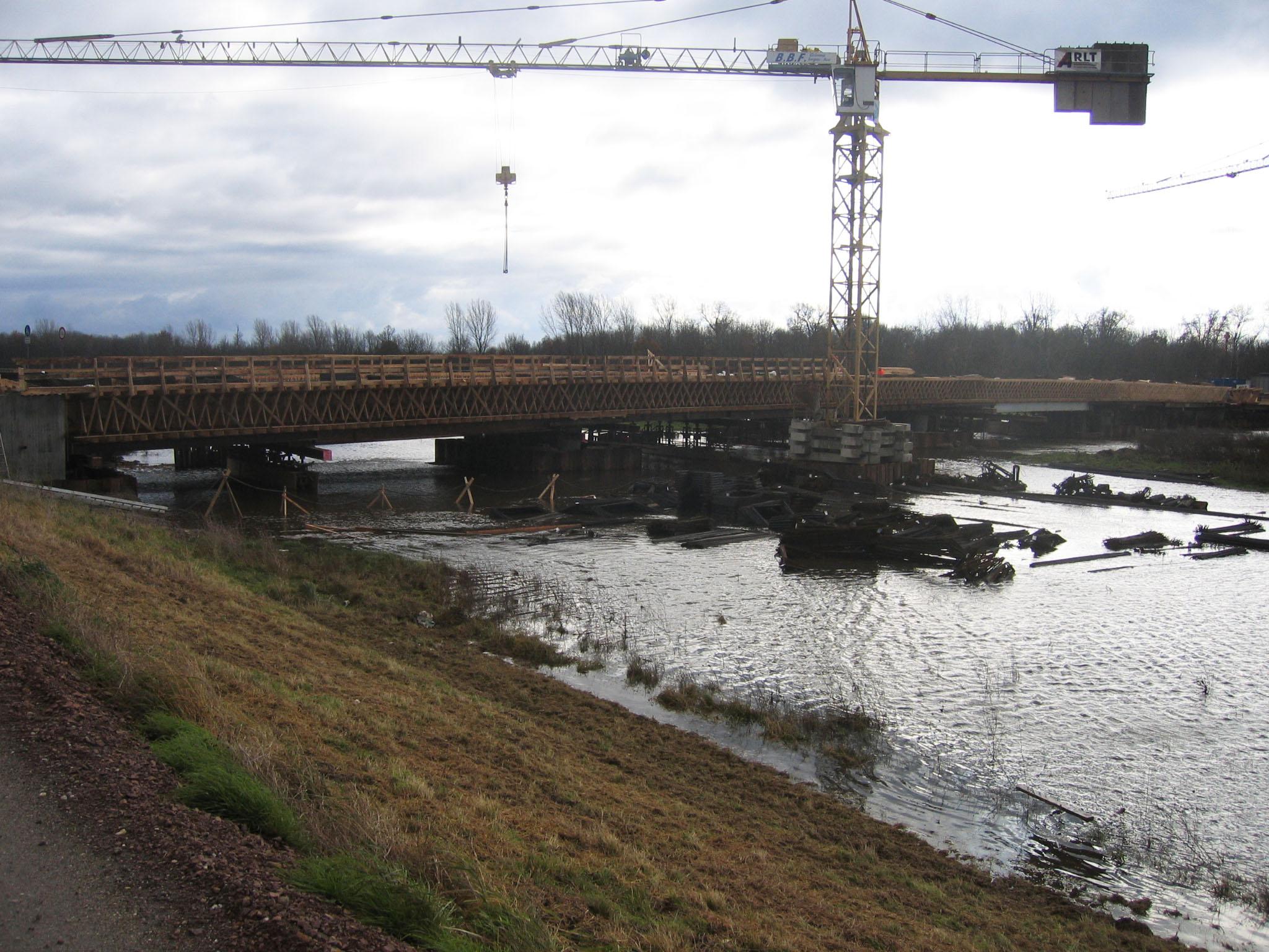 12.11.2007 - Hochwasser beim Bau
