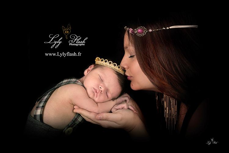 photographe naissance nouveau-né prince bisous hyères var
