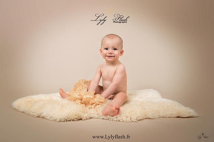photo bébé Brignoles var 83 photographe sourire