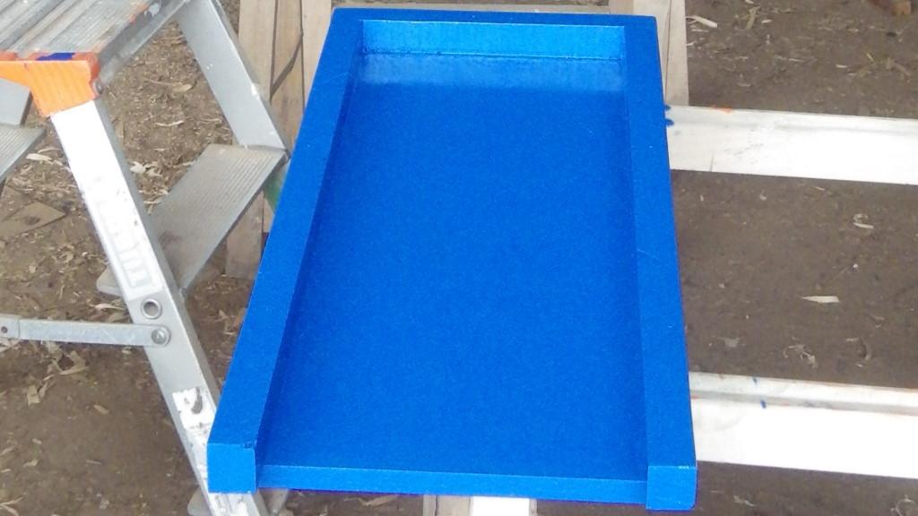 L'intérieur des capots bleu drapeau