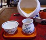 8)茶海から聞香杯に注ぎ聞香杯から茶杯に移します::悟空::--横浜中華街で生まれて30年。中国茶・中国茶器専門店