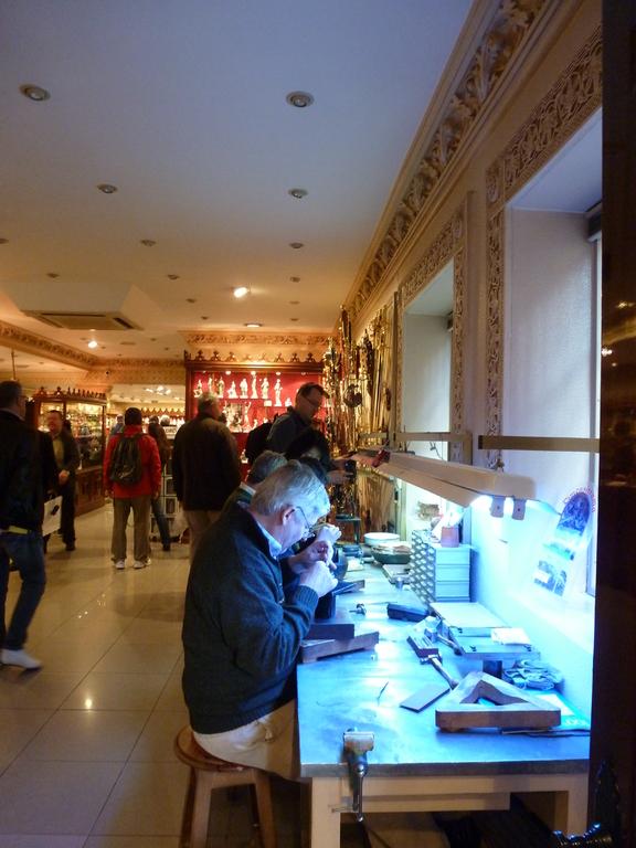 Boutique d'objets damasquinés