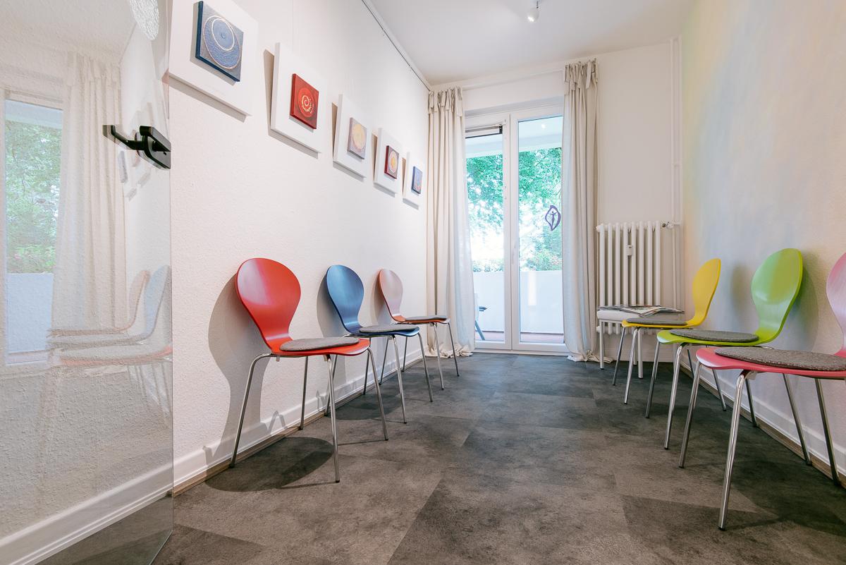 Das Wartezimmer unserer Praxis in Hamburg Volksdorf