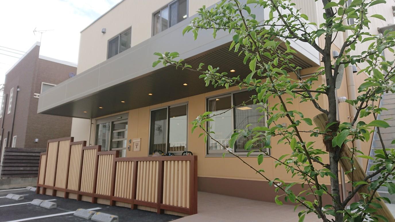 JR大野城駅からすぐの「だいすき保育園」です。
