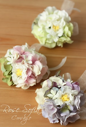 Mix Corsage 9-10cm ¥2,800+税  ※花材変更あり※春季のみ