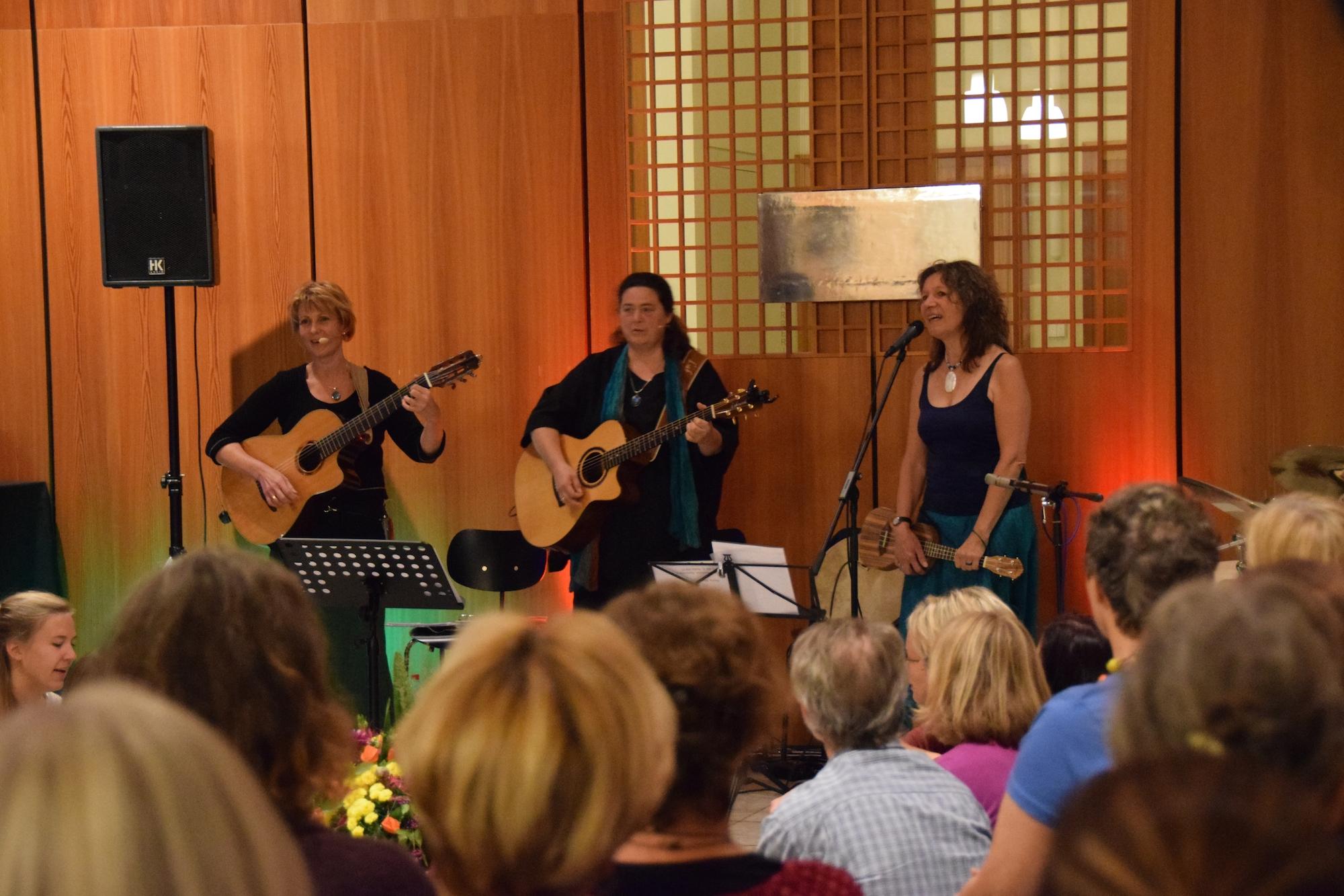 25.09.2015 - 5. Nacht der Spirituellen Lieder Regensburg mit Susanne Goebel, Iria Schärer, Georgina