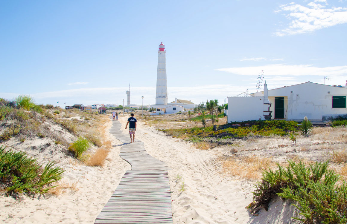 farol-islands-lighthouse-algarve