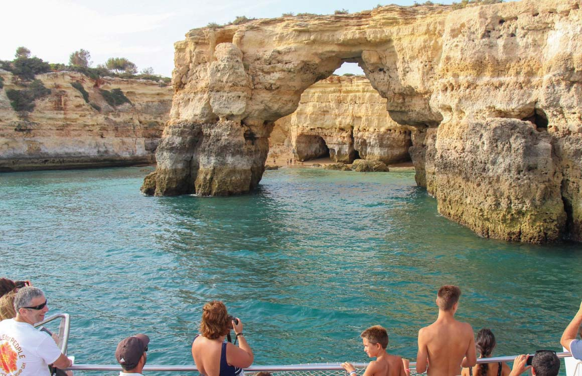 plages-et-grottes-secretes-visite-bateau-algarve