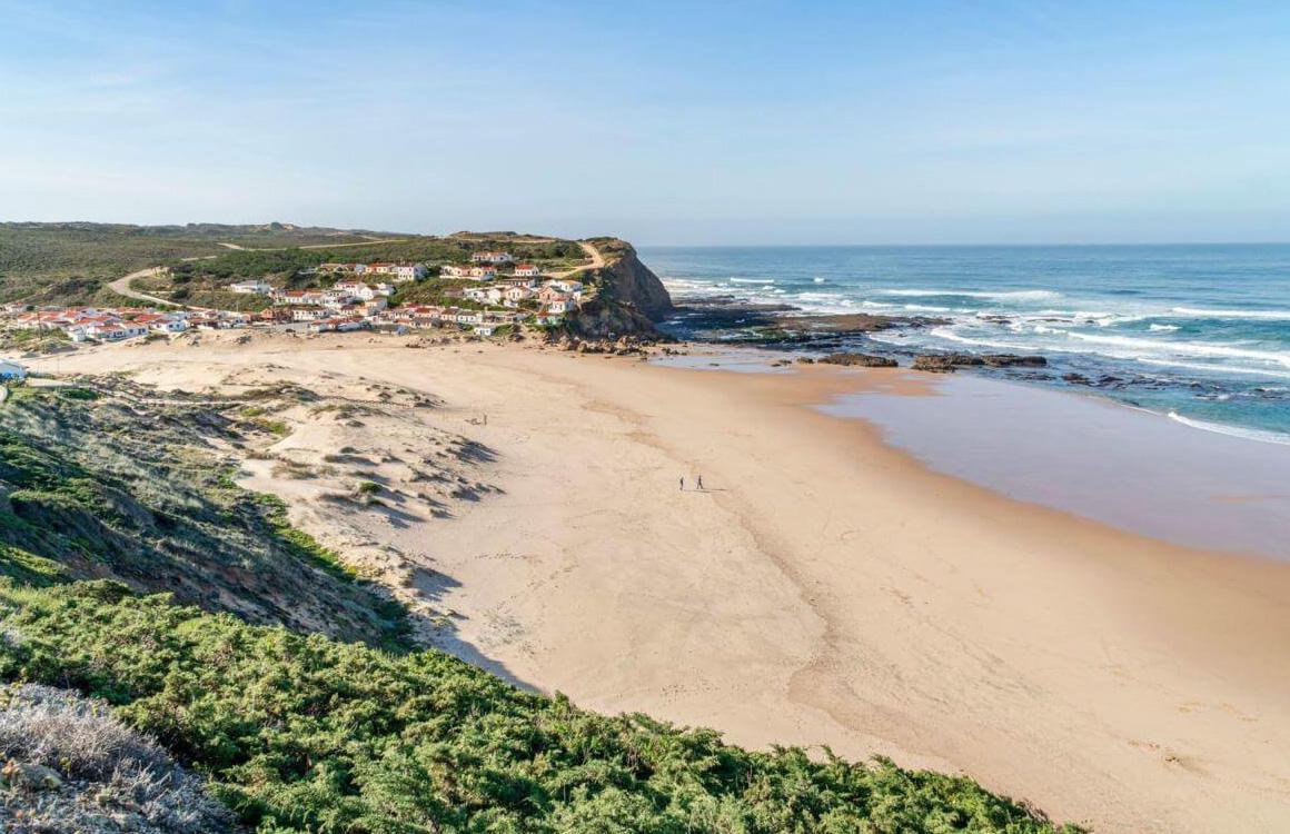 praia-do-monte-clerigo-beach-aljezur-algarve