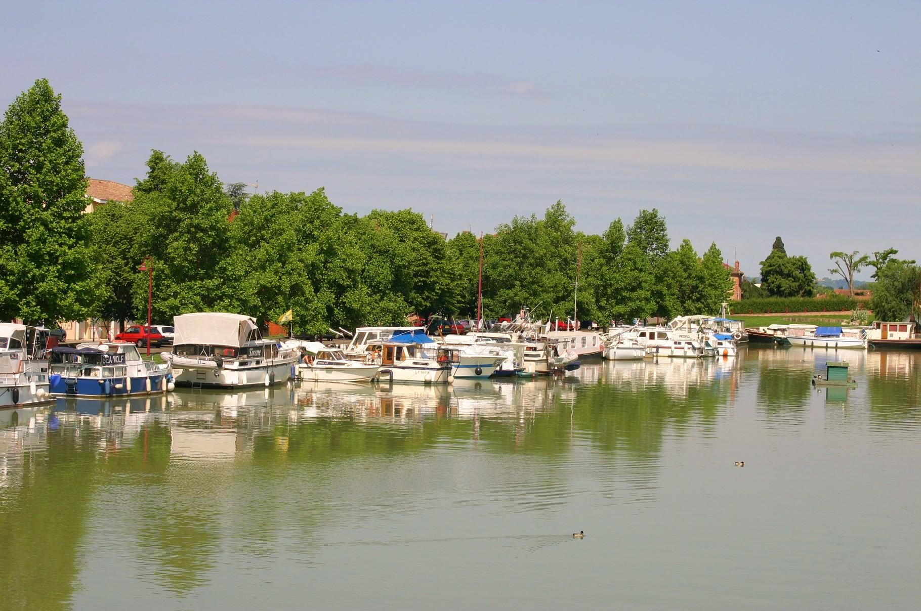 Le port de Castelsarrain. (Dept 82)