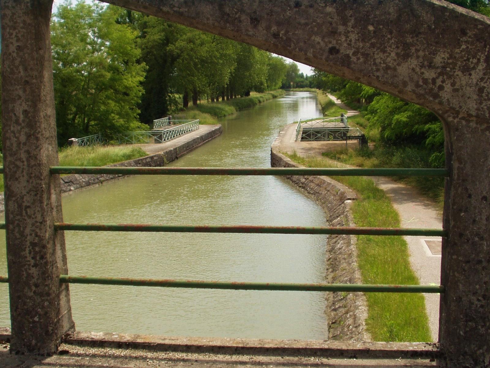 Vue sur le pont de Barguelonne. (Dept 47)