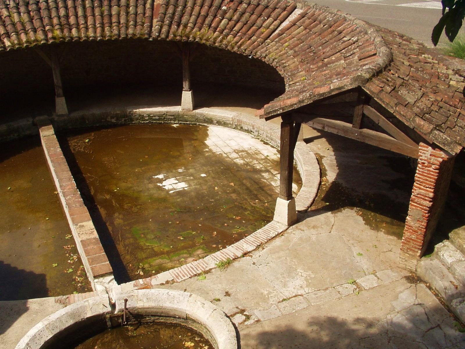 Le lavoir Del Théron à Valence d'Agen. (Dept 82)