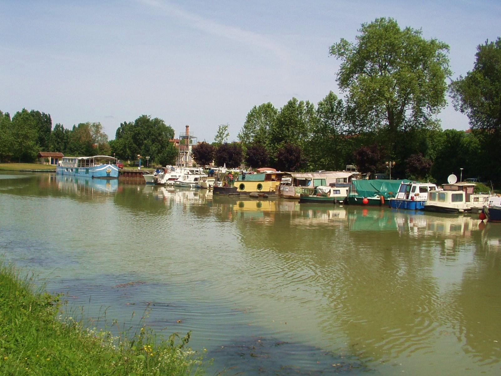 Le port de Valence d'Agen. (Dept 82)