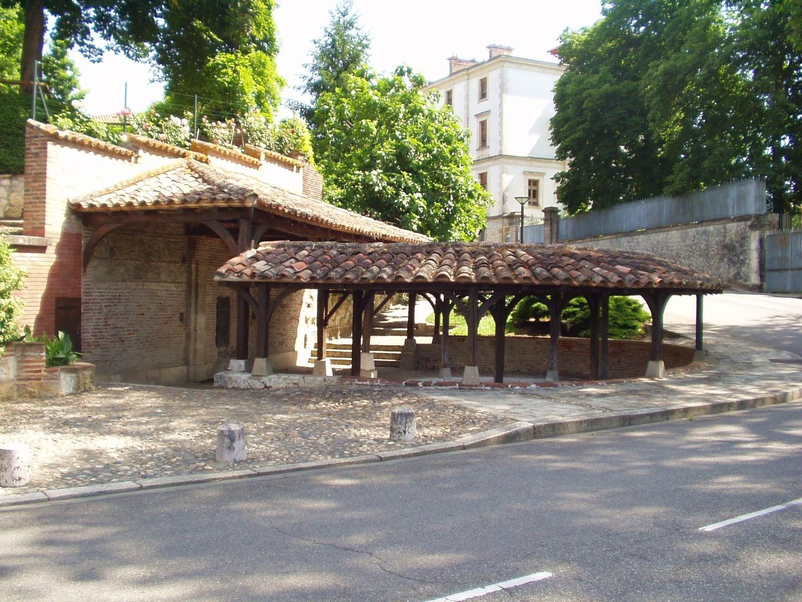 Le lavoir Saint-Bernard à Valence d'Agen. (Dept 82)