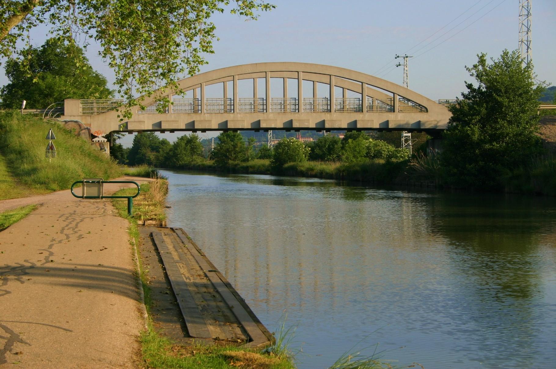 Un pont bow-string du coté d'Embalens