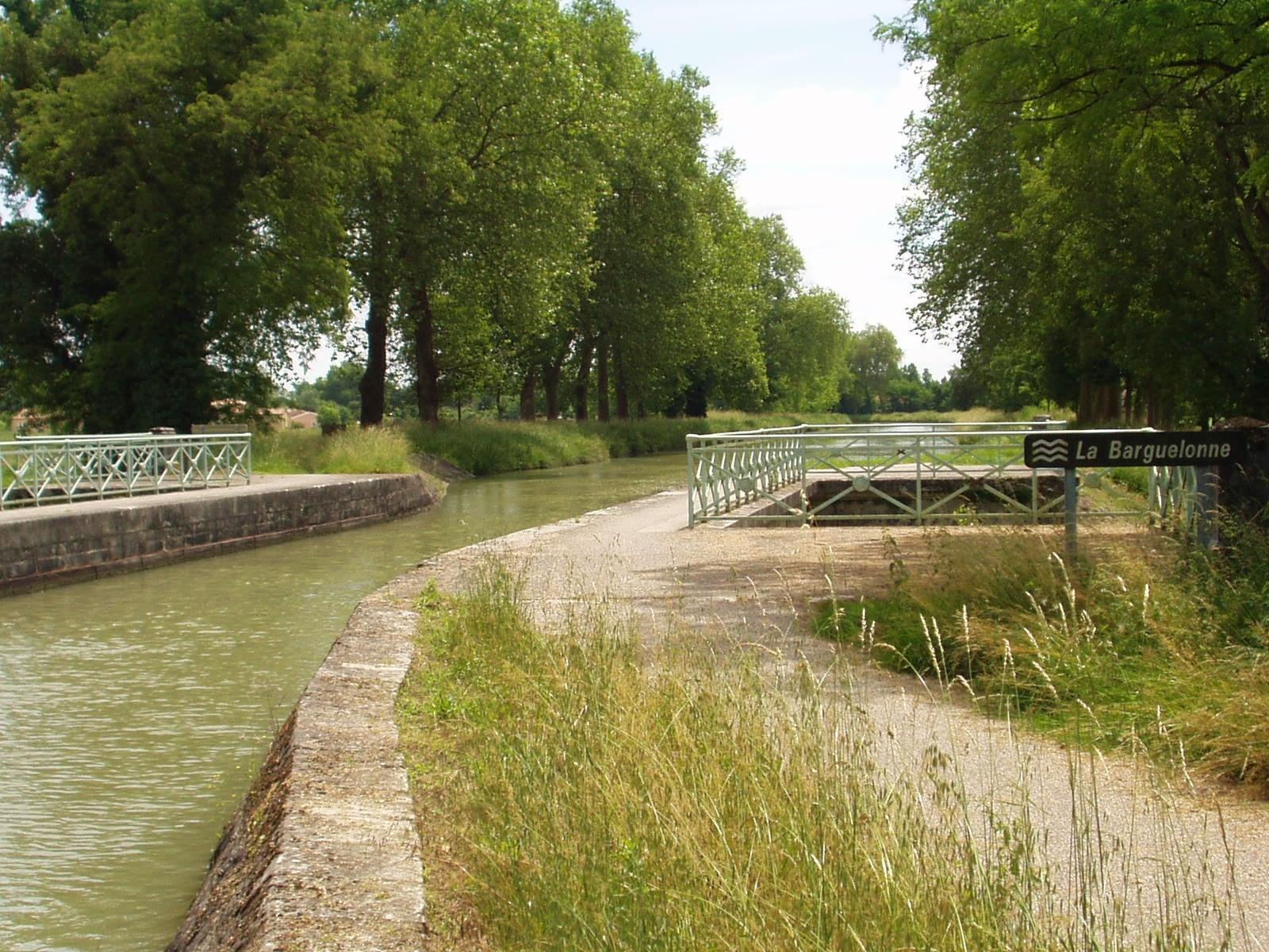 En arrivant sur le pont de Barguelonne. (Dept 47)
